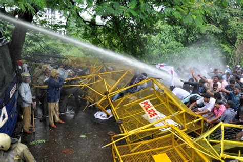 Water cannons used to disperse protesters   Daily News