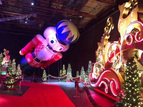 PHOTOS, VIDEO: Tour the NEW Universal's Holiday Experience