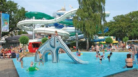 Eurocamp site with water complex and it's own free theme
