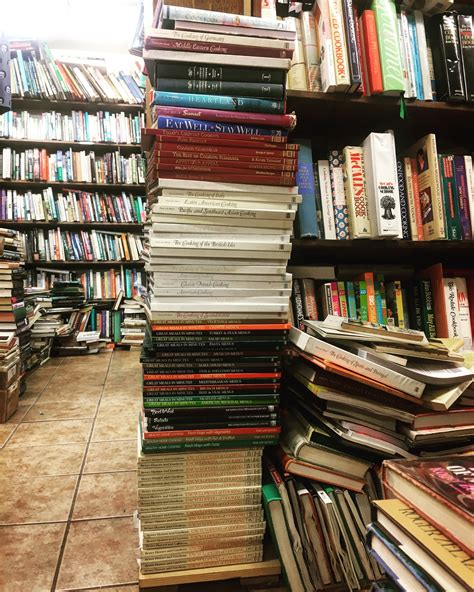 Von's Books is an independent bookstore located in West