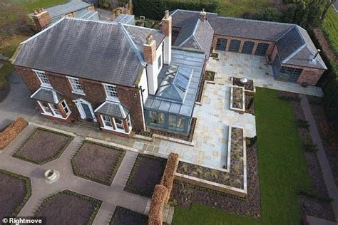 One Direction star Louis Tomlinson's stepfather sells